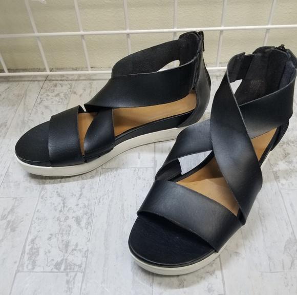 Universal Thread Black Hummingbird Sandals sz 10